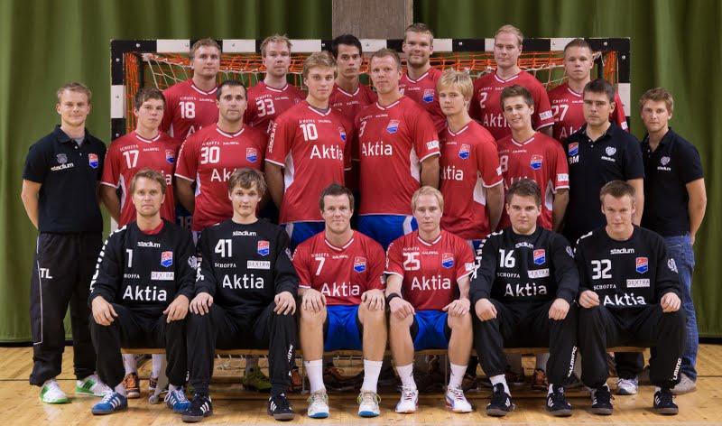 Dickenin liigajoukkue 2012-2013